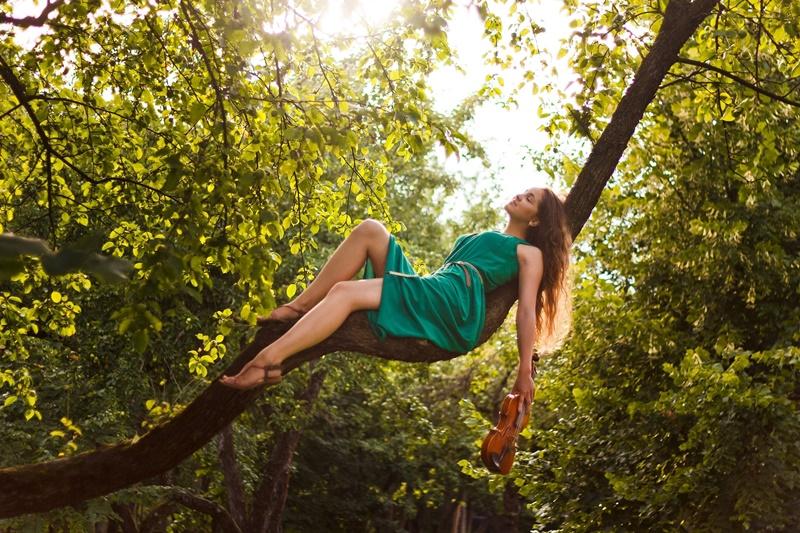 silvoterapia e abbracciare alberi