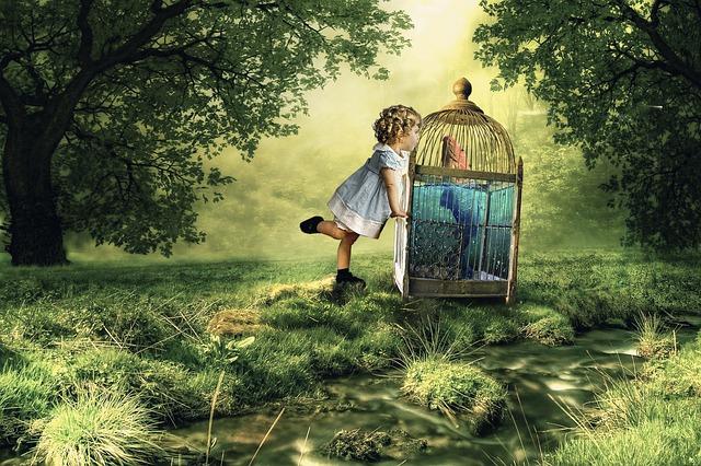 bambina nel bosco